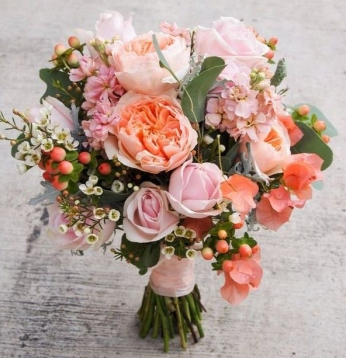 living coral wedding bouquet 3
